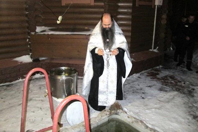 Крещение в ИК-18 Мурмаши